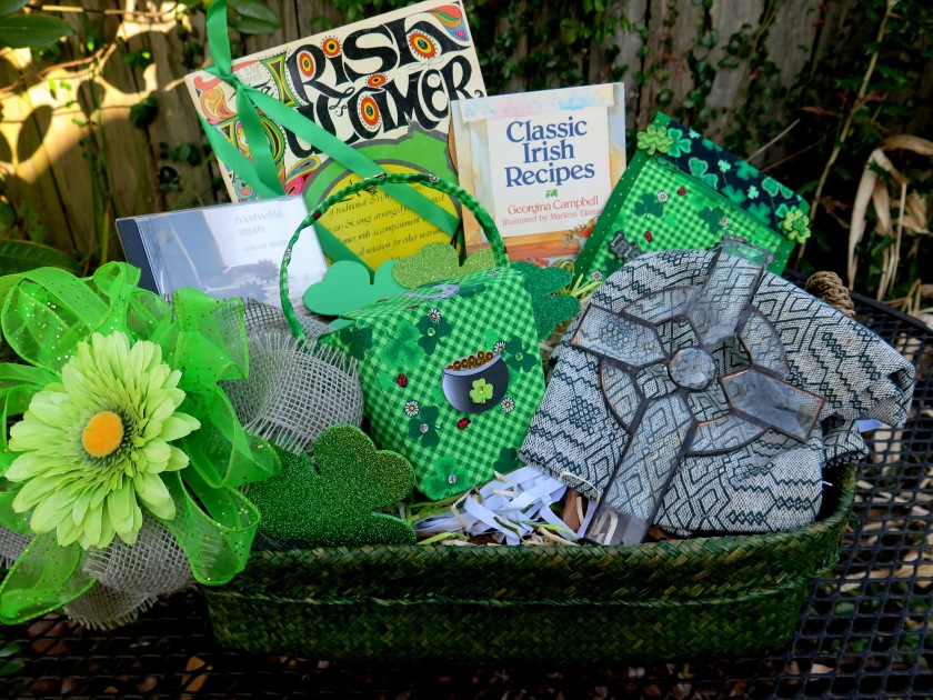Irish Lovers Basket fo the Dulcimer Player - 3 - IMG_2270