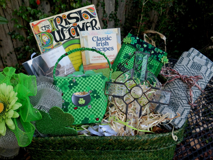Irish Lovers Basket for the Dulcimer Player - IMG_2284