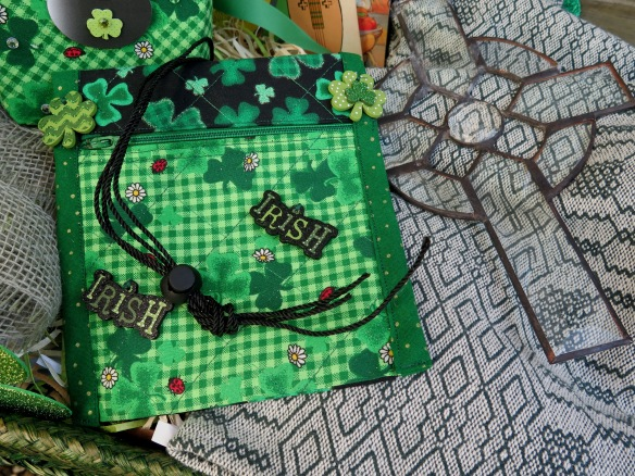 Irish Quilted Pick Holder by Maylee - IMG_2302