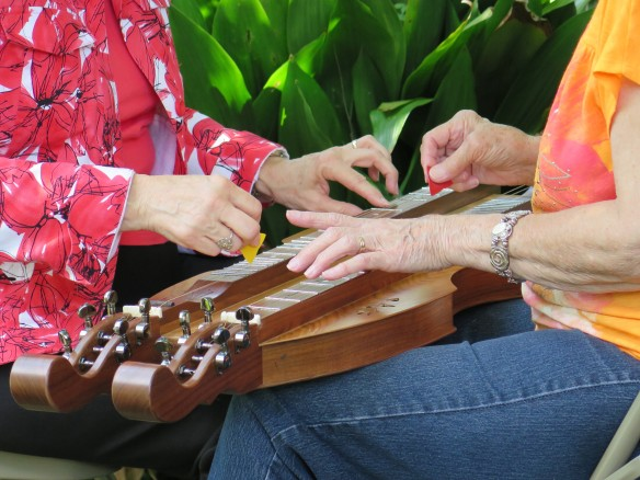 Helen and Peggy - Courting Dulcimer - 1 - IMG_3367_1