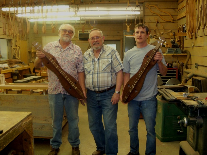 Jim and Luthiers with finished dulcimers - Maylee 001 (3)