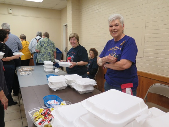 Lunch line - Marie Williams and Jackie Anthony - IMG_7859